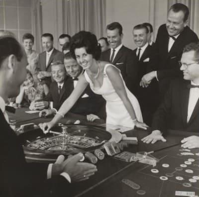 Angelika roulette spelend